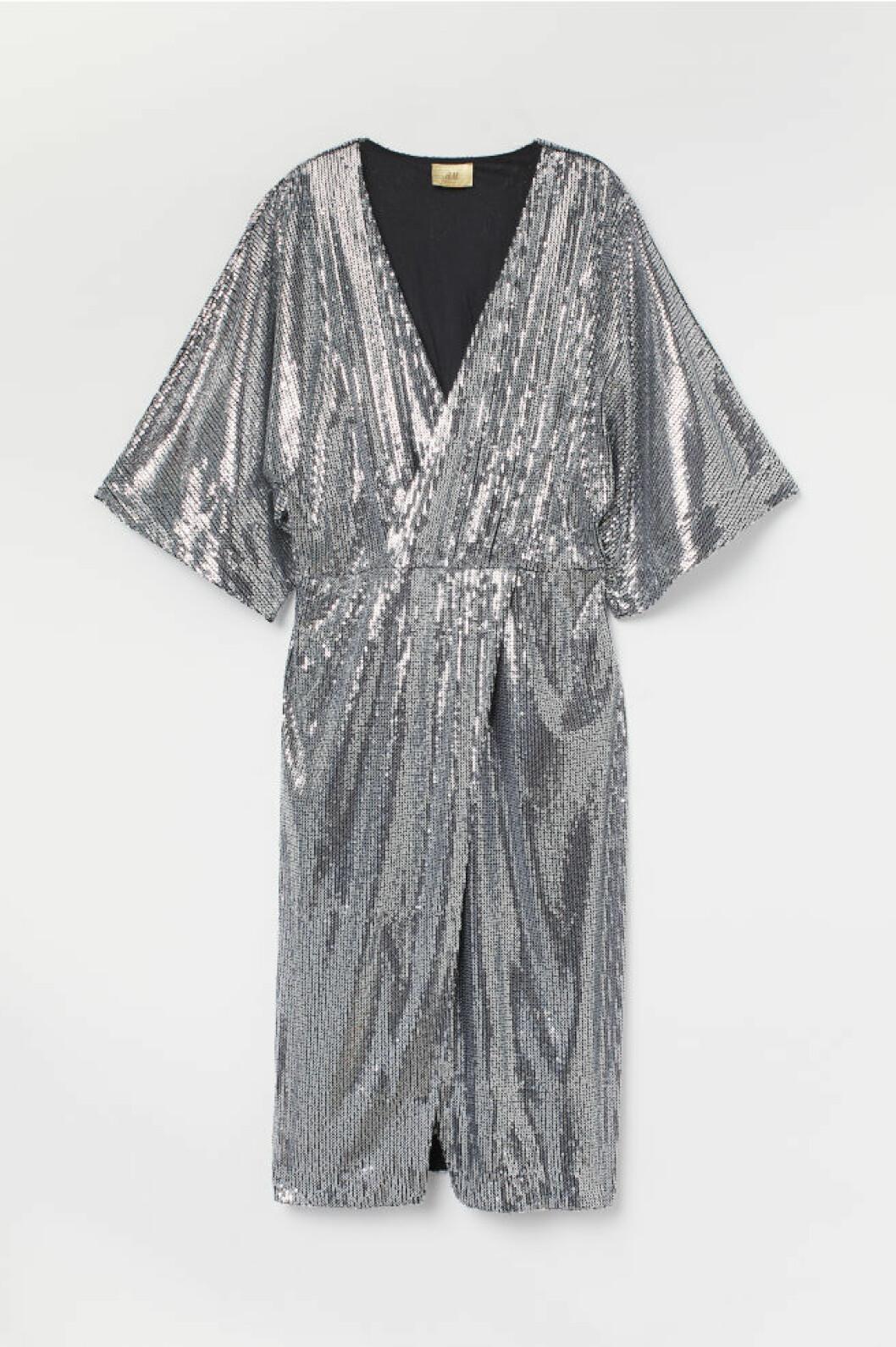 v-ringad paljettklänning från H&M