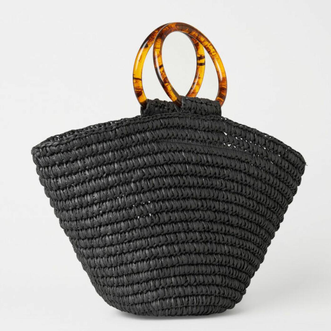 Svart stråväska från Carin Wester
