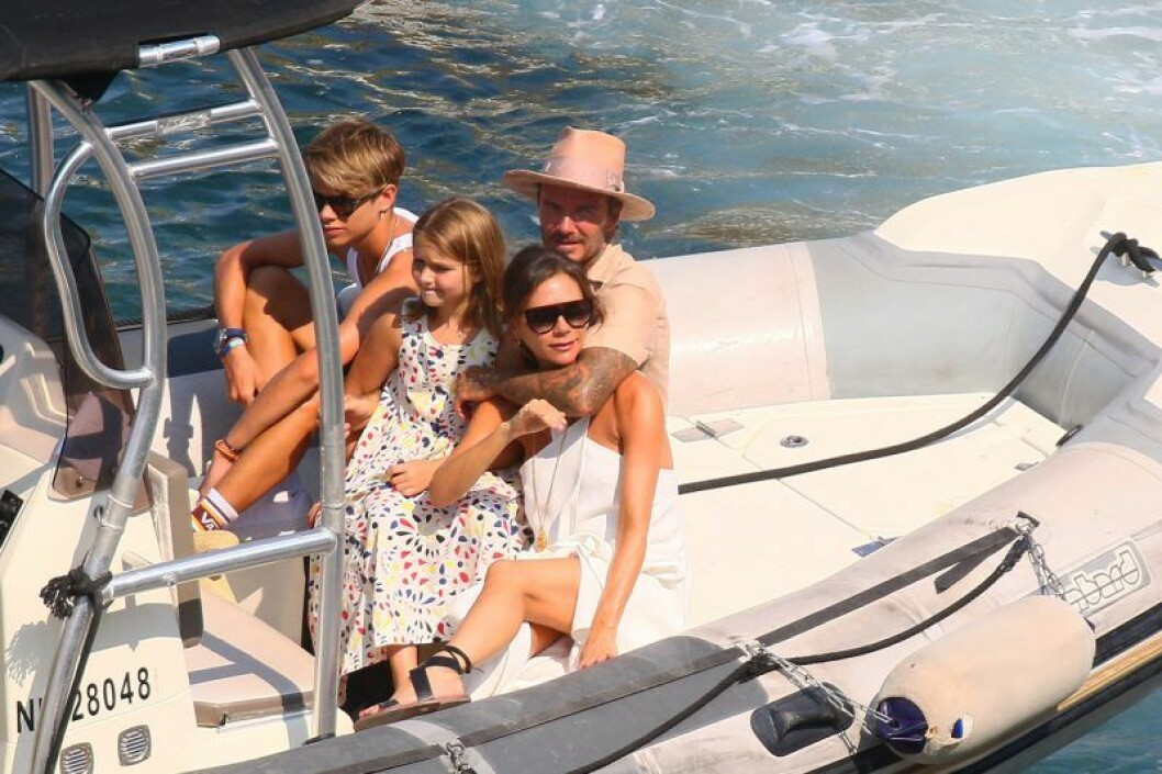 Victoria Beckham tillsammans med sin familj