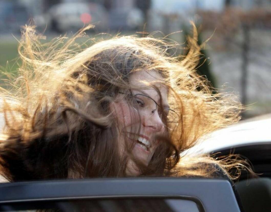 Kronprinsessan Victorias hår en blåsig dag.