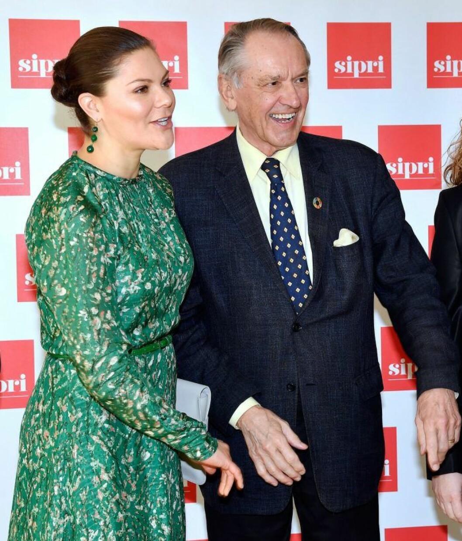 Kronprinsessan Victoria och Jan Eliasson på SIPRI.