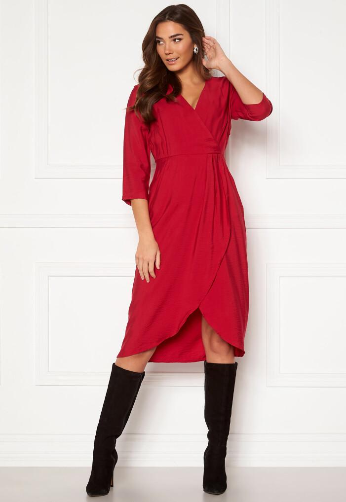 röd klänning vila