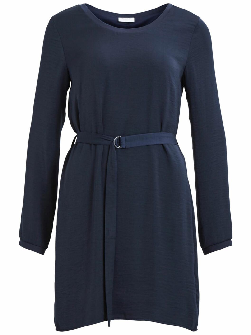 blå-klänning-vila