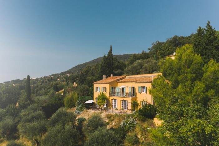 Villa Juli guesthouse Speracedes Frankrike vy