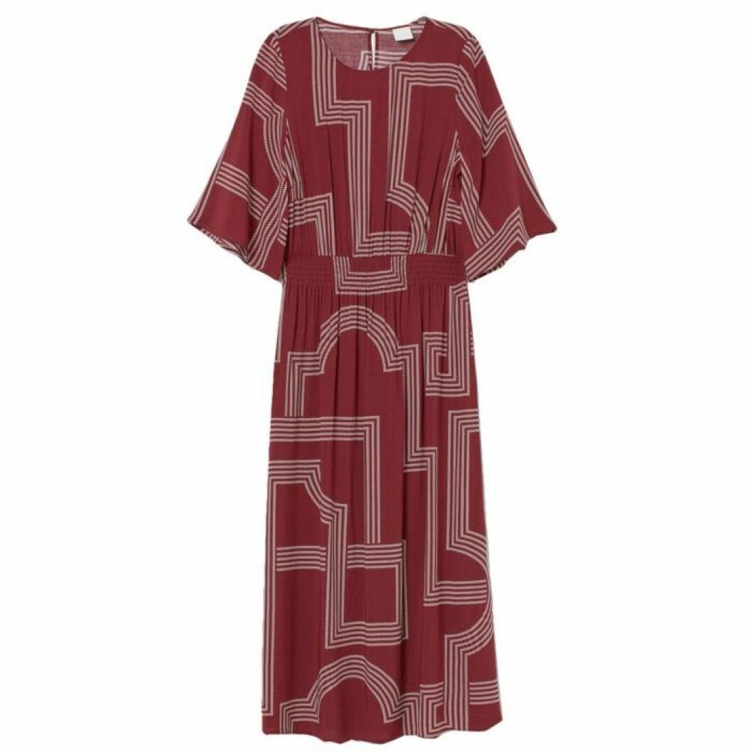 Vinröd klänning med mönster från H&M