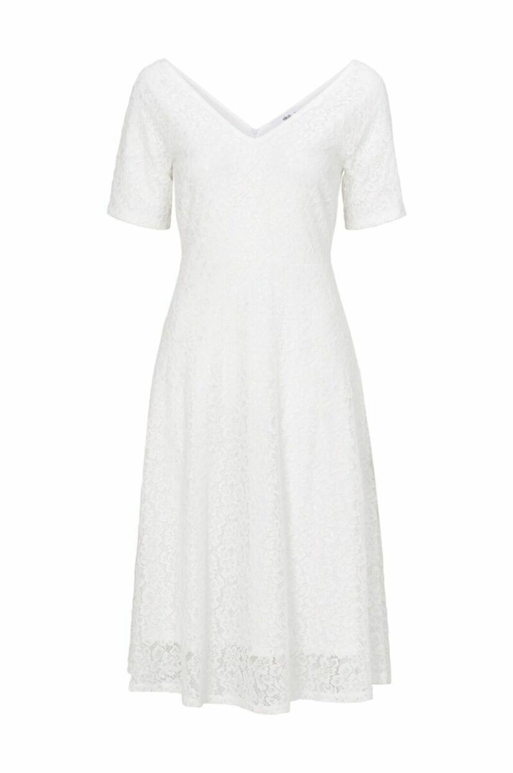 Vit brudklänning i medellång modell