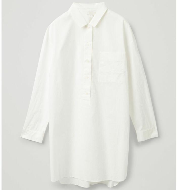 vit klänning COS