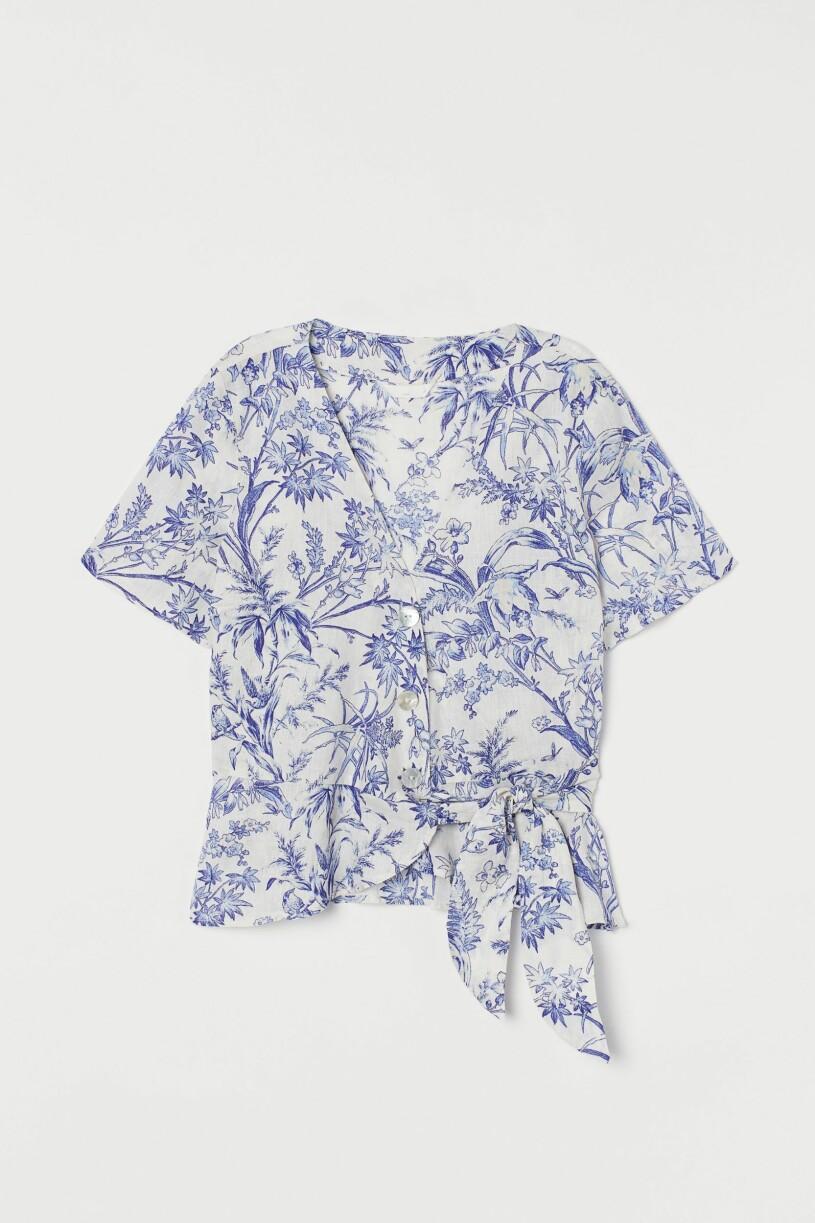 Vit och blå mönstrad blus från H&M