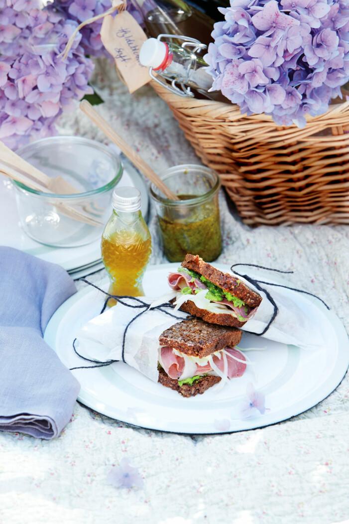 Rågbrödssandwich med pastrami