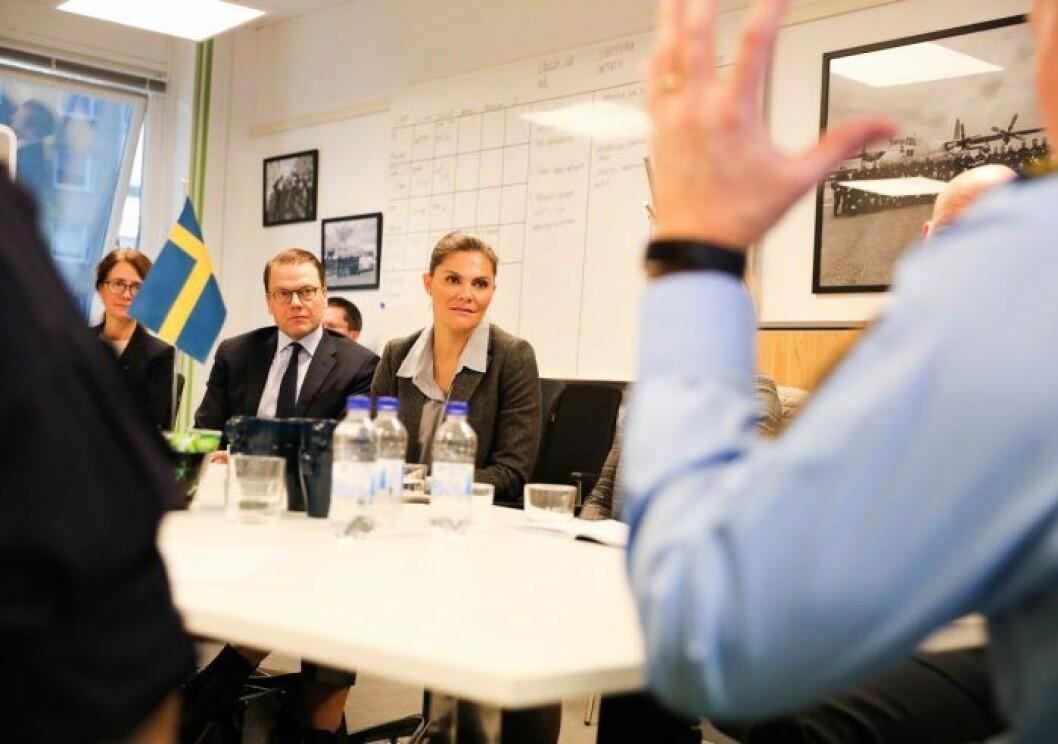 Kronprinsessan Victoria och prins Daniel besöker polisen i Malmö.