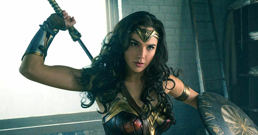 Gal Gadot spelar Wonder Woman, karaktären som ger tjejer bättre självförtroende.