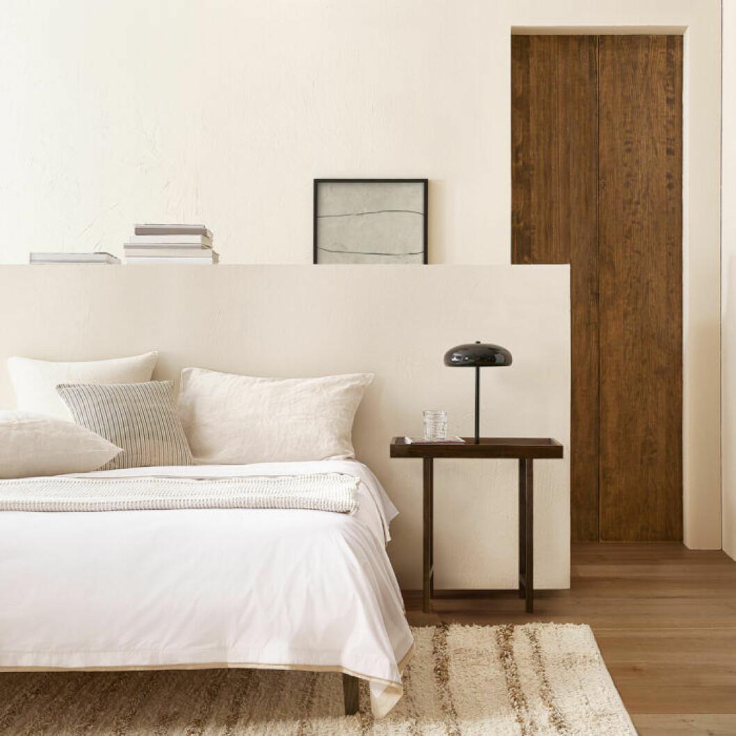 Enkelt och tidlöst sovrum hos Zara home