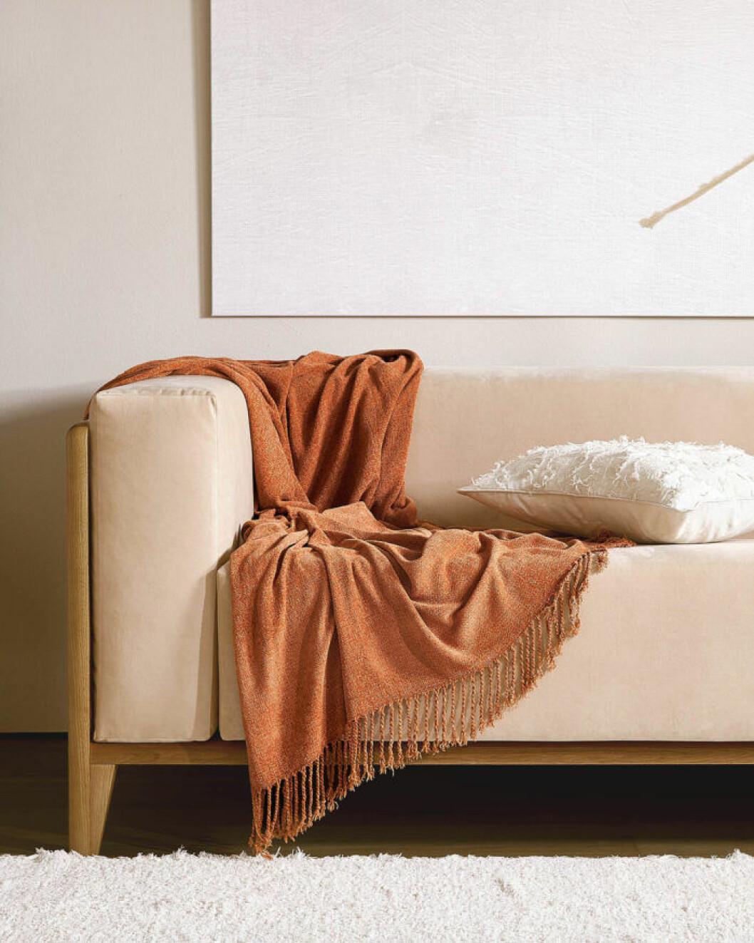 Pläd i trendig bränd nyans från Zara home