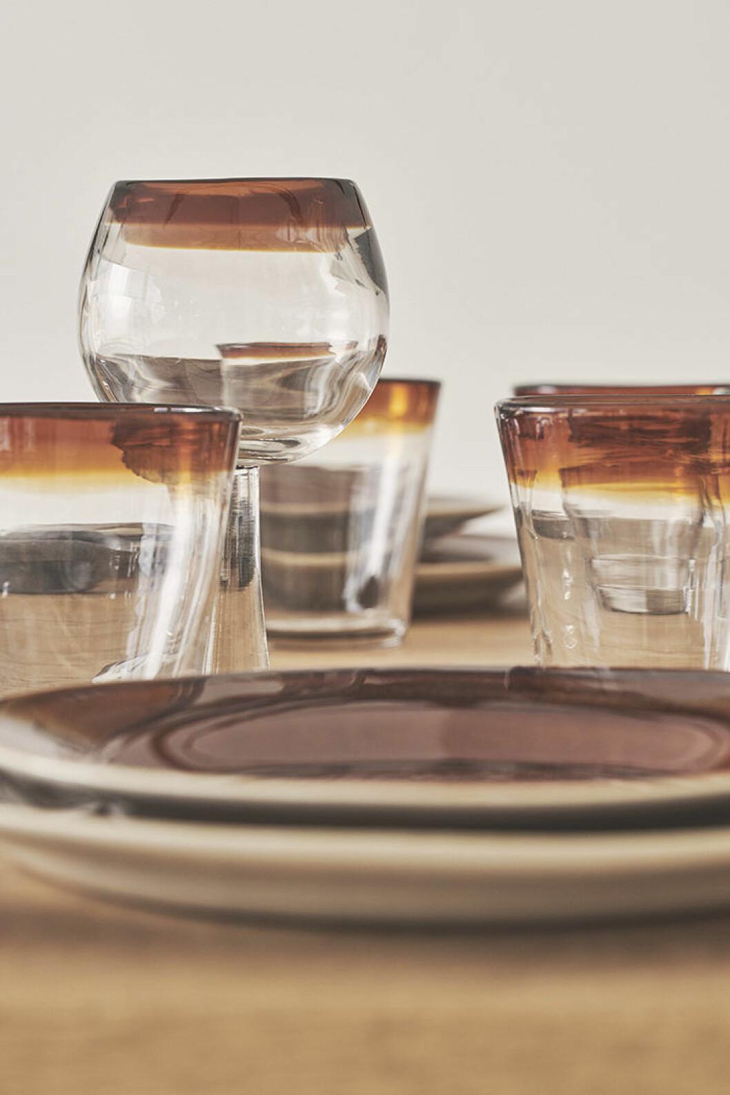 Glas i klarglas med färg från Zara Home