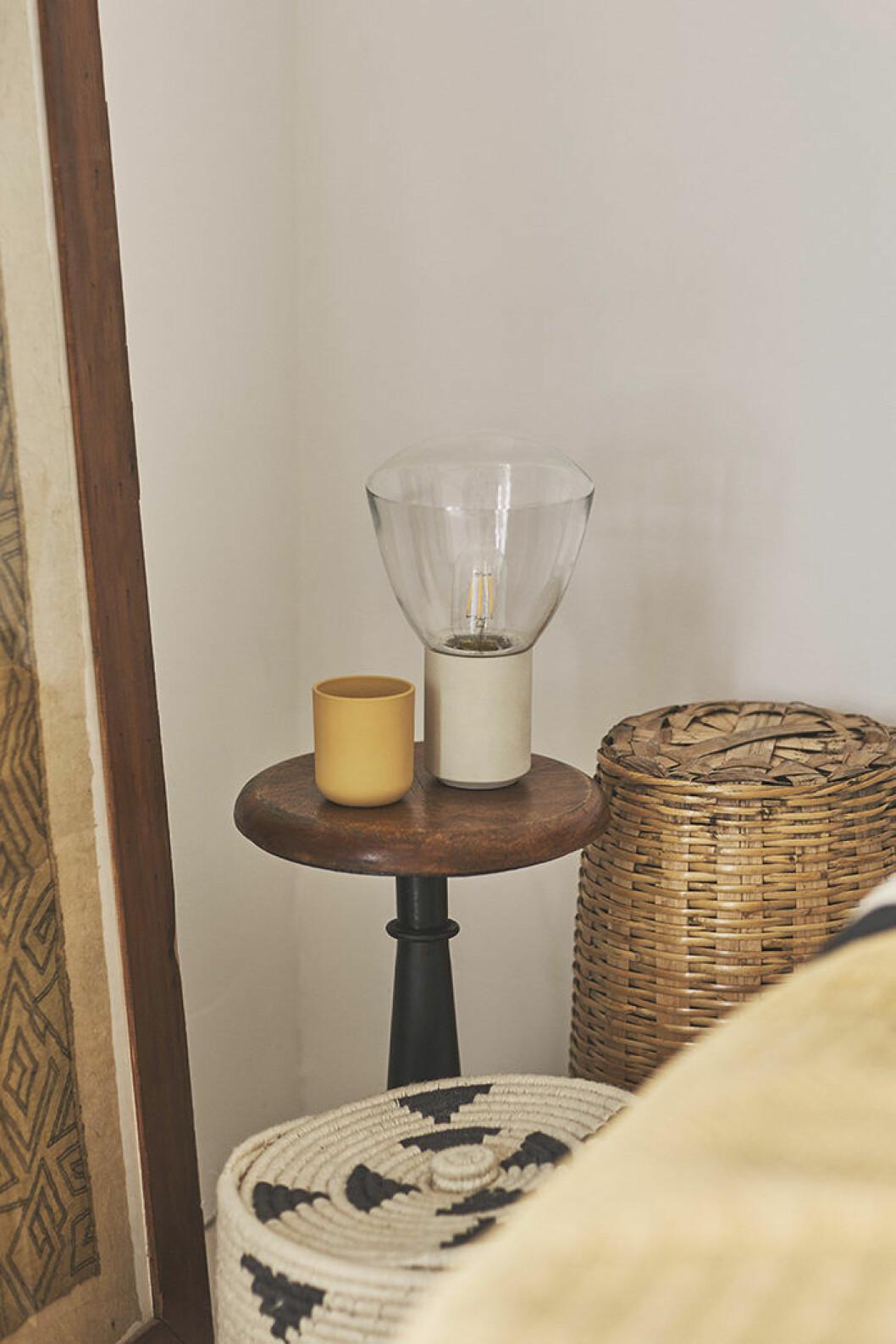 Lampa och förvaringskorgar från Zara Home