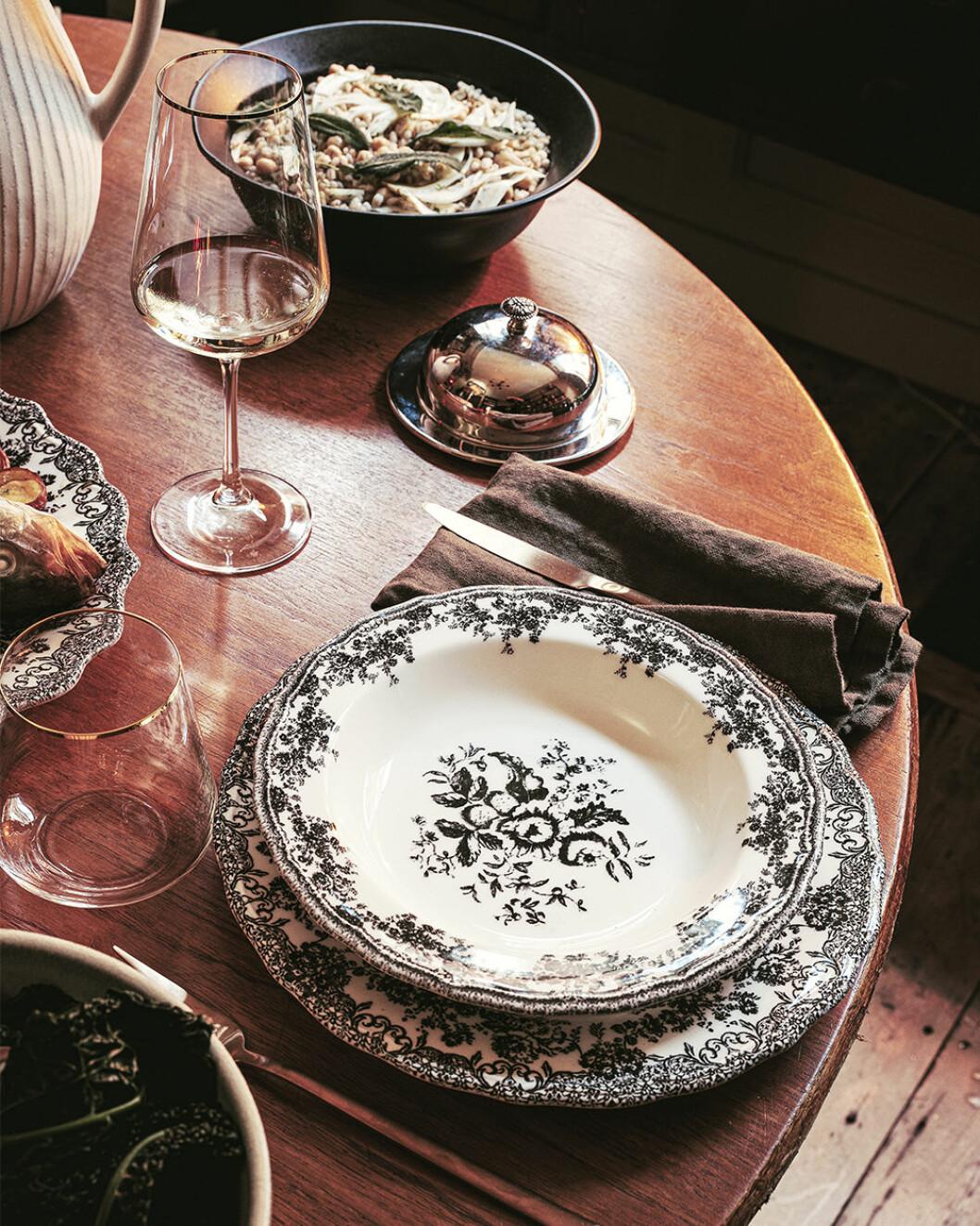 Vintageinspirerad dukning hos Zara Home