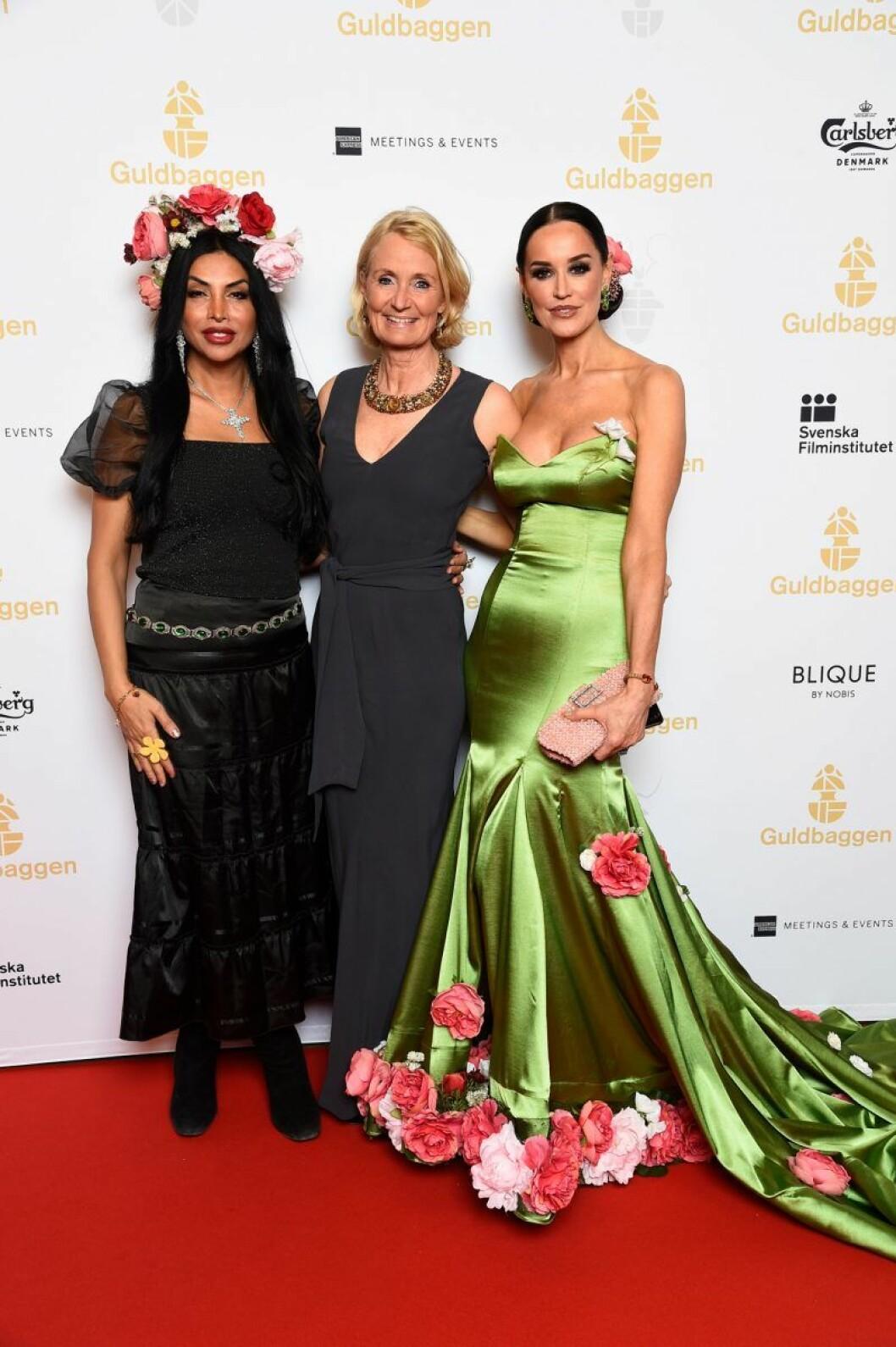 Zinat Pirzadeh, Bibi Rödöö och Beba Jonsson på röda mattan på Guldbaggegalan 2020
